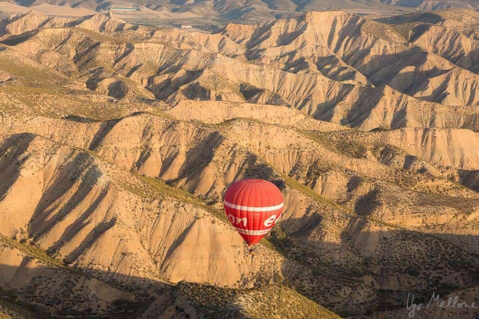 Atemberaubende Landschaften von Oben aus dem Heißluftballon in Navarra